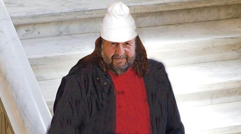 López Orozco reaparece en el Ayuntamiento disfrazado de Sito Miñanco