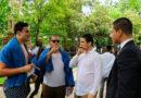 Una pareja de policías locales multa por error a Froilán mientras hacía botellón en Lugo con unos amigos