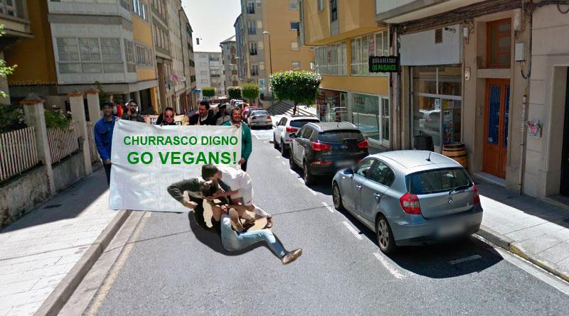 Un grupo de veganos se lía a golpes frente a la Parrillada Os Paisanos demandando un nuevo tipo de churrasco sin carne