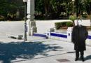 Una estatua de Orozco mirando al juzgado presidirá a partir de mañana la entrada del parque de Rosalía