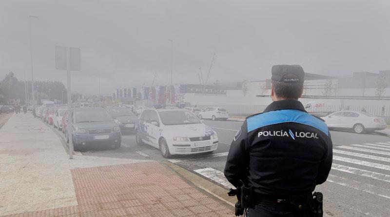 La Policía Local pone en marcha la operación 'Gorrillas en la niebla' para acabar con los aparcacoches ilegales del HULA