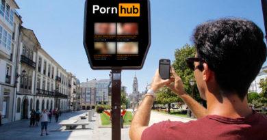 Pornhub gana el concurso para dotar los nuevos carteles informativos y emitirá contenido las 24 horas