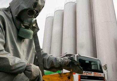 La nube de gas tóxico de O Ceao alcanza el nivel mínimo de radiación y el Ayuntamiento ordena evacuar los núcleos de población más cercanos