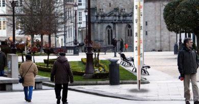 El Ayuntamiento instala termómetros de mercurio gigantes en las localizaciones de los antiguos termómetros digitales
