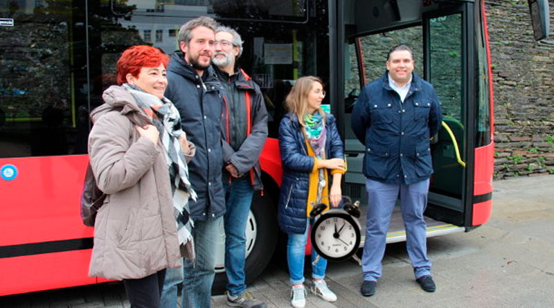 El BNG presenta dos nuevos buses urbanos con un novedoso sistema que impide retrasos en todas las paradas