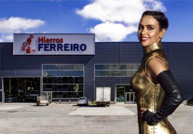 Cristina Pedroche dio las campanadas con un espectacular vestido confeccionado y soldado en Hierros Ferreiro