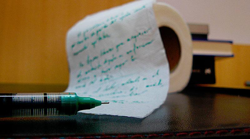 Cientos de niños lucenses comienzan a hacer sus deberes en papel higiénico ante la escasez general de folios y libretas