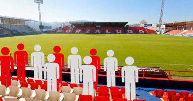 El CD Lugo se prepara para reabrir el Ánxo Carro con aforo limitado y llena las gradas del estadio de monigotes de cartón