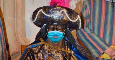Temor entre los padres lucenses a que el Ayuntamiento contrate un Baltasar pintado de betún al que le destiña la mascarilla