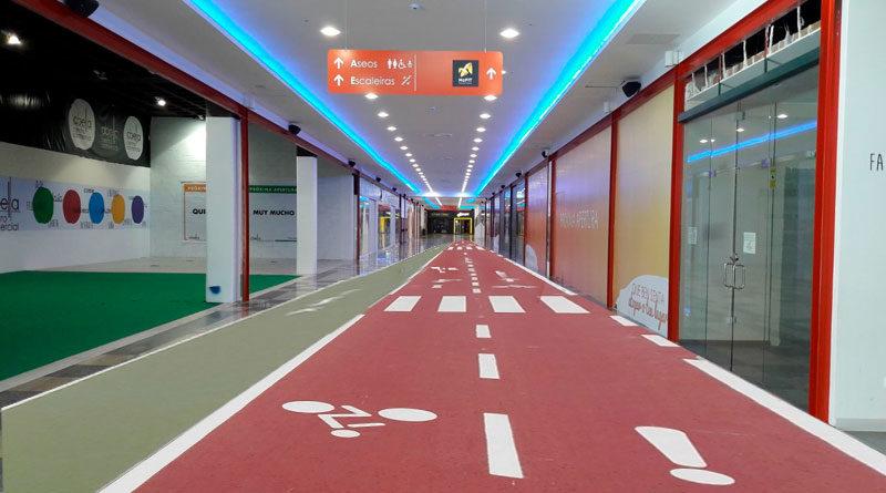 El Ayuntamiento amplía el futuro carril bici para poder recorrer el interior del Centro Comercial Abella