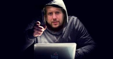 Arroxo hackea durante 6 horas facebook, instagram y whatsapp para evitar que se hable del bus, las barracas y el tráfico